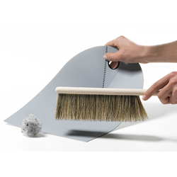 NORMANN COPENHAGEN pelle et balai DUSTPAN AND BROOM