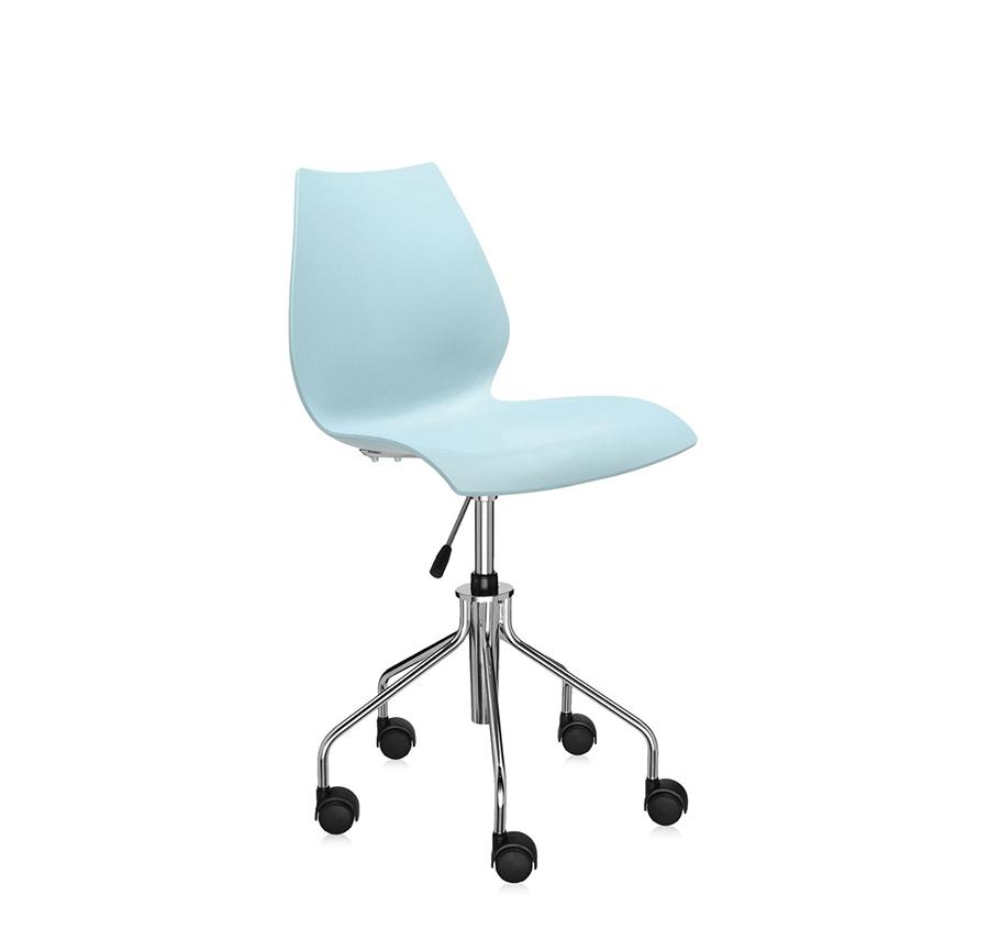 KARTELL chaise à roulettes MAUI (Bleu clair - polypropylène coloré dans la masse / acier chromé)