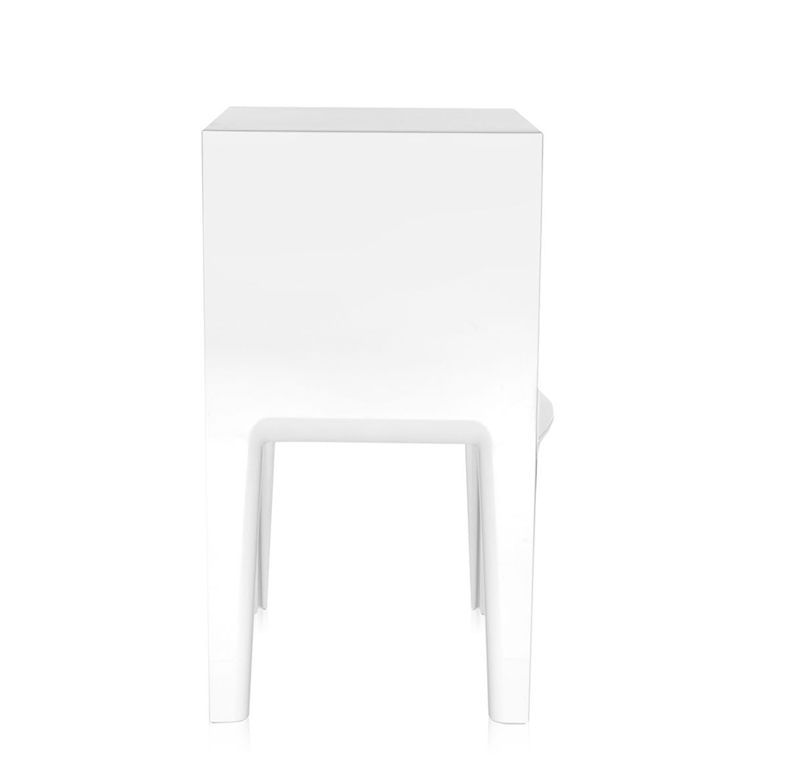 kartell table de chevet small ghost buster blanc teint dans la masse pmma. Black Bedroom Furniture Sets. Home Design Ideas