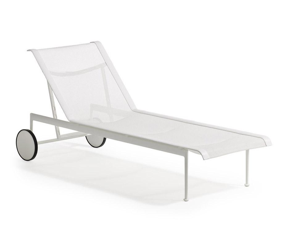 knoll chaise longue avec roues 1966 adjustable collection richard schultz blanc aluminium et. Black Bedroom Furniture Sets. Home Design Ideas