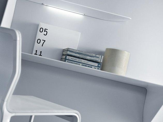 mdf italia tag re bureau mural avec clairage led mamba droit cristalplant. Black Bedroom Furniture Sets. Home Design Ideas