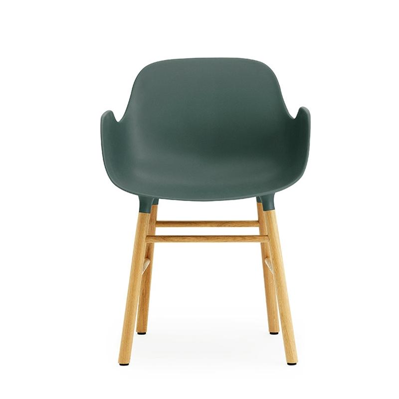 NORMANN COPENHAGEN fauteuil FORM ARMCHAIR avec piètement en chêne (Vert Polypropylène et chêne)