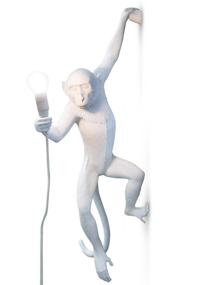 seletti lampe murale monkey lamp led blanc r sine. Black Bedroom Furniture Sets. Home Design Ideas