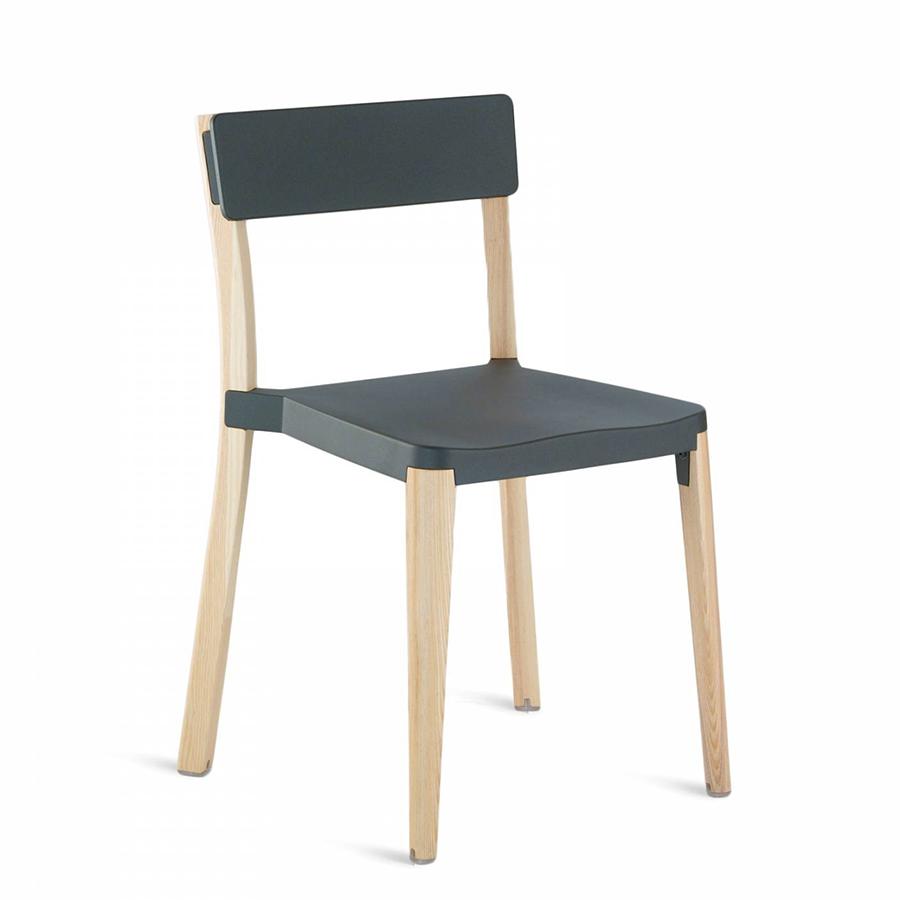 emeco lancaster stacking chair chaise sans accoudoirs assise et dossier gris fonc aluminium. Black Bedroom Furniture Sets. Home Design Ideas