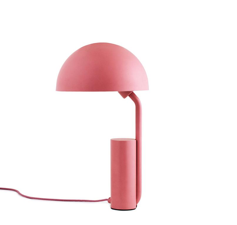 normann copenhagen lampe de table cap blush acier verni. Black Bedroom Furniture Sets. Home Design Ideas