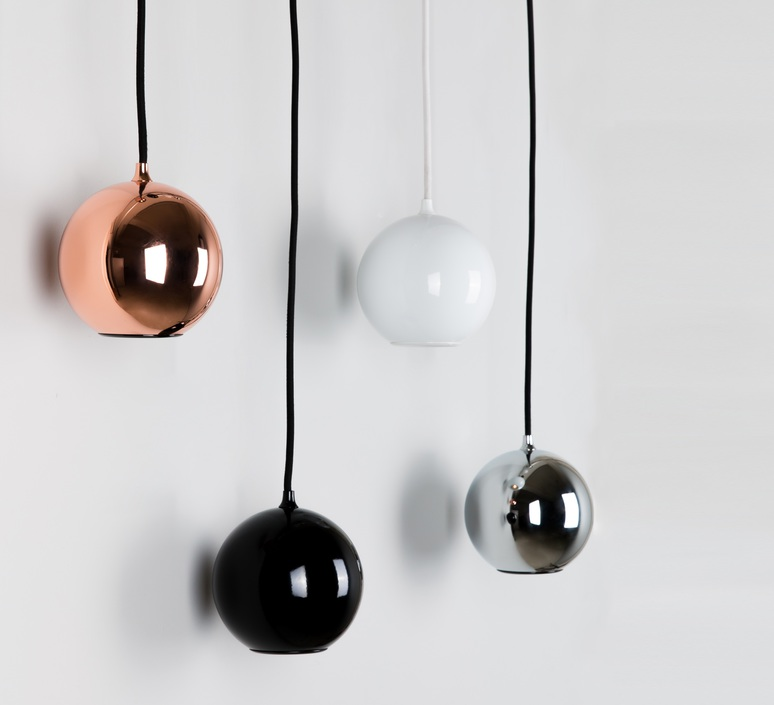 innermost lampe suspension boule noir acier. Black Bedroom Furniture Sets. Home Design Ideas