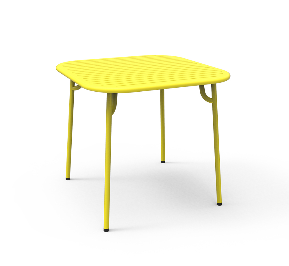 petite friture table carr e pour l 39 ext rieur week end jaune aluminium verni par poudre epoxy. Black Bedroom Furniture Sets. Home Design Ideas