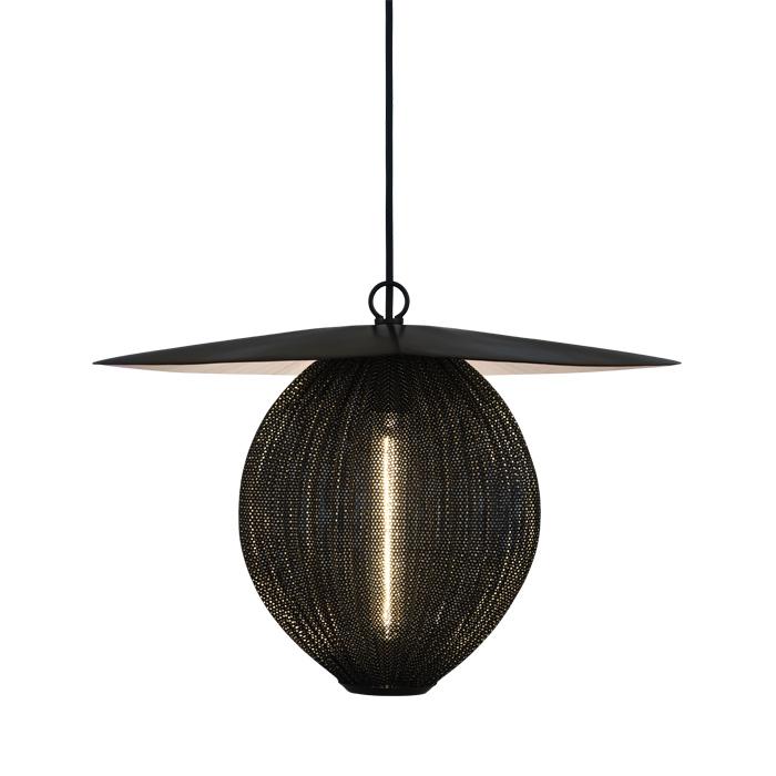 gubi lampe suspension satellite medium 22 cm midnight. Black Bedroom Furniture Sets. Home Design Ideas