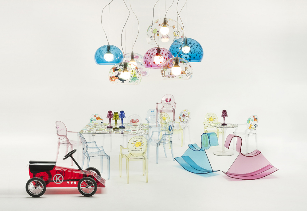 Kartell Tavolino Invisible Side.Kartell Kids Coffee Table Invisible Table Transparent With Drawings Transparent Pmma