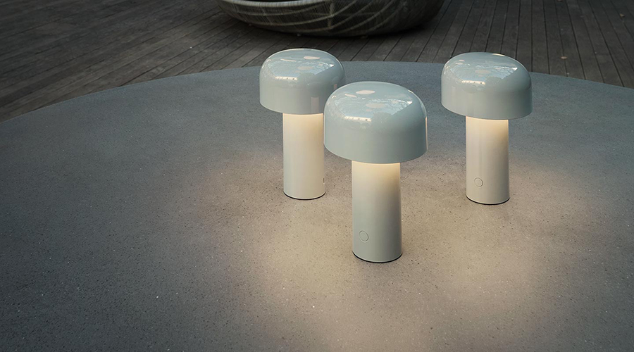 FLOS lampe de table sans fil rechargeable BELLHOP (Rouge brique Polycarbonate)